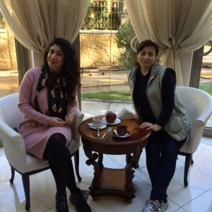 Анжелика Начесова выделила время на отдых и вместе со своим администратором Асей Саношоковой отправилась в санаторий Кисловодска