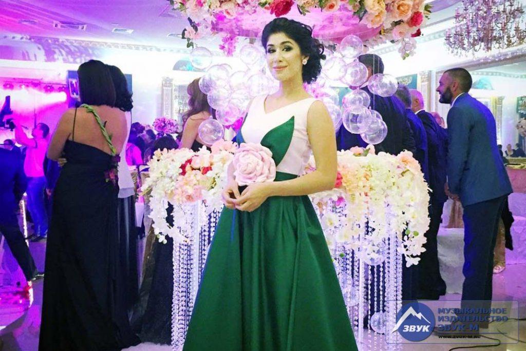 Анжелика Начесова, появившись на очередном мероприятии, снова поразила присутствующих платьем восхитительной красоты!